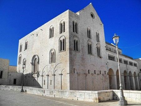 โบสถ์เซนต์ นิโคลัส ในเมืองบารี่ ประเทศอิตาลี